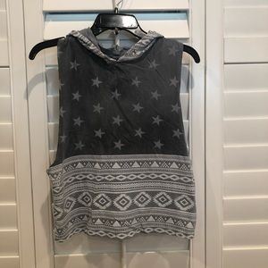 Cropped Dance Sleeveless Hooded Top - Small
